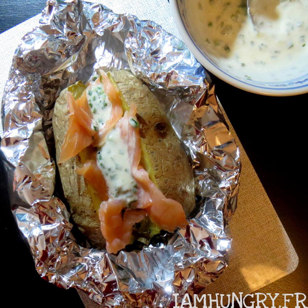 Pommes de terre au saumon fumé et crème fraîche