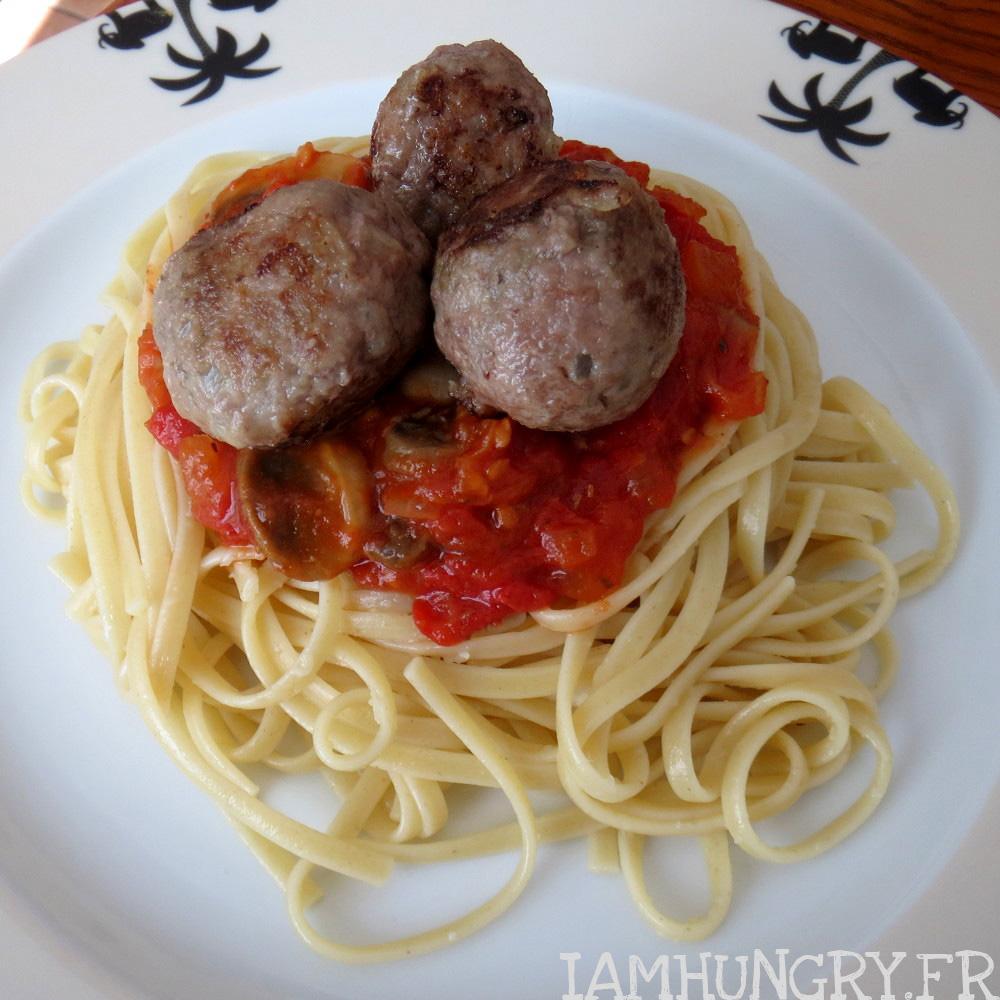 Boulettes de bœuf à la sauce tomate