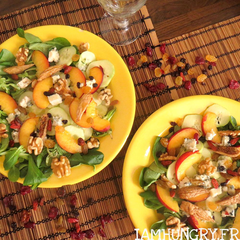 Salade de pêches concombre et fruits secs