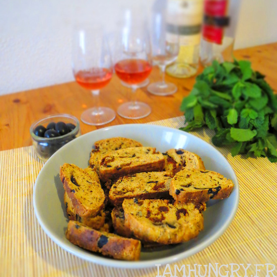 Croquants aux tomates séchées, olives et origan