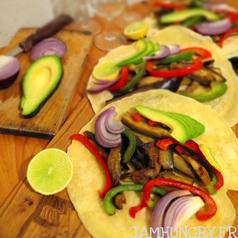 Tortilla aubergine poivron avocat