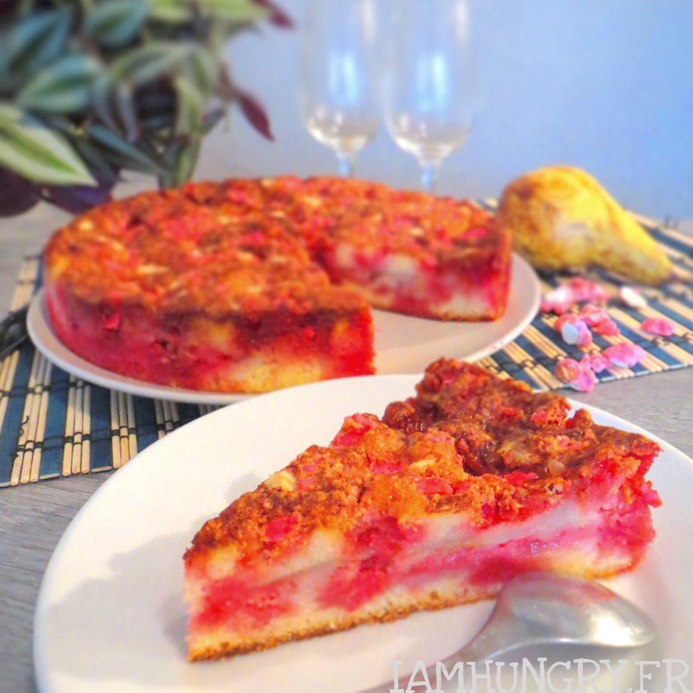 Gâteau aux poires et aux pralines roses