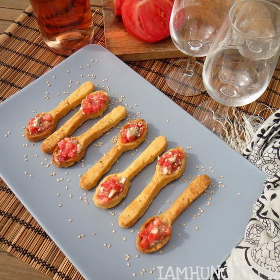 Cuillères sablées aux tomates et roquefort