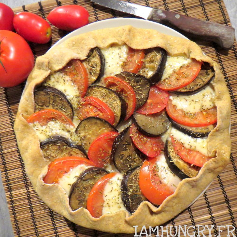 Tarte rustique tomate aubergine mozza