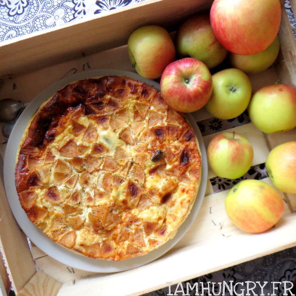 Flaugnarde aux pommes et aux pruneaux