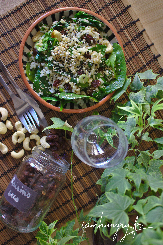 Salade de riz aux épinards et noix de cajou