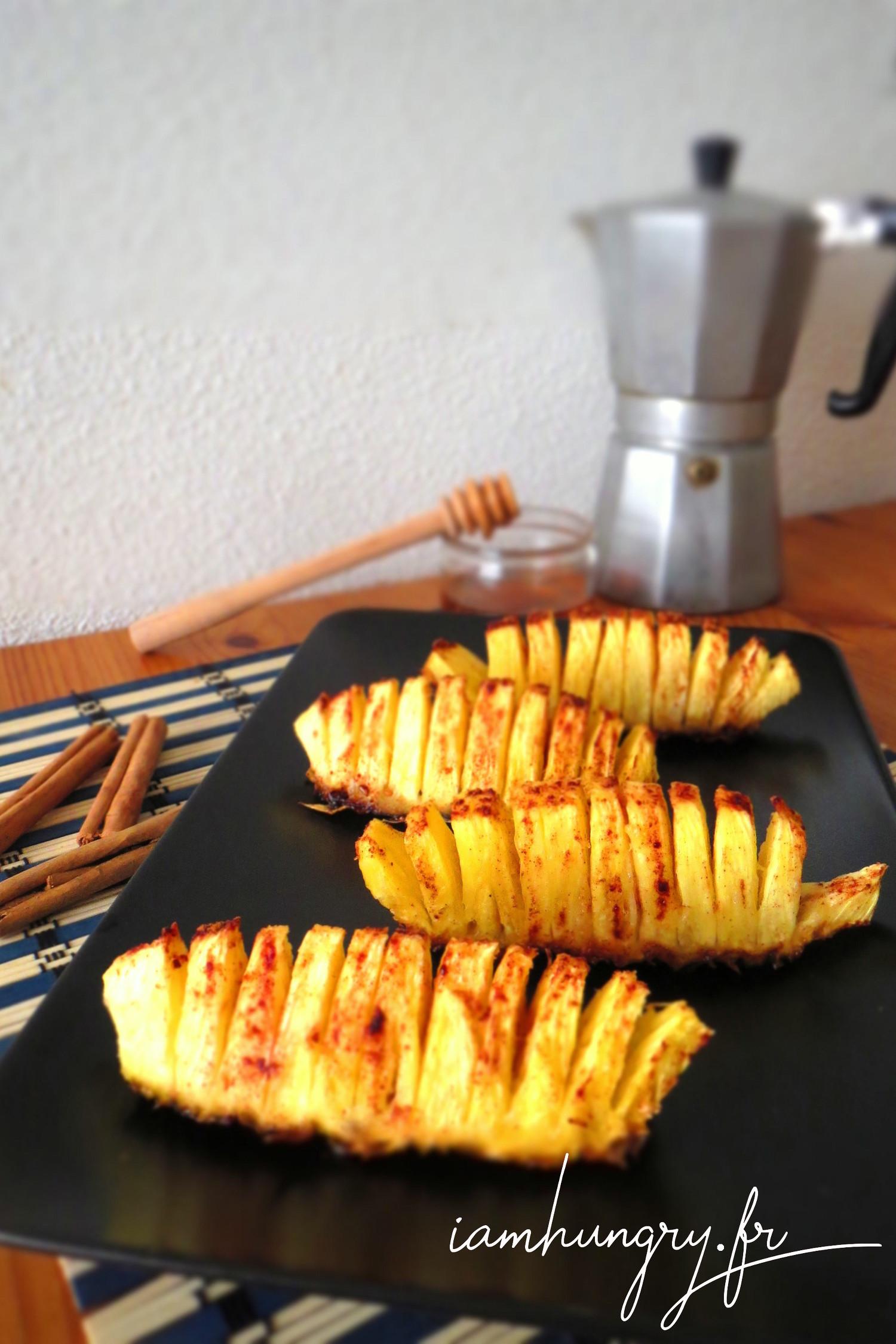 Ananas rôti au miel et à la cannelle