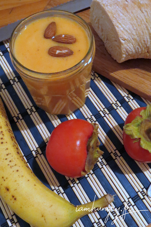 Smoothie kaki banane au lait d'amande
