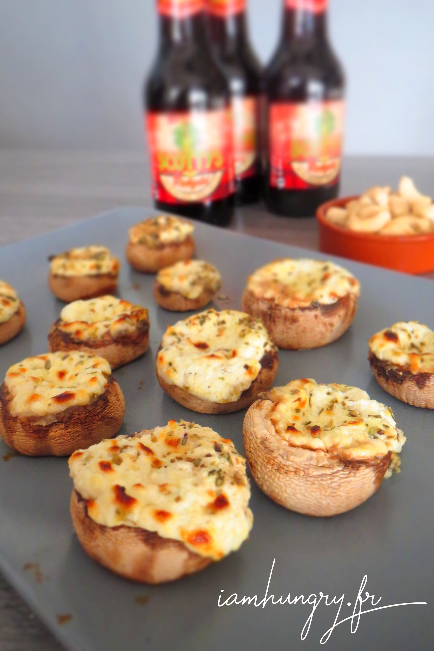 Stuffed mushrooms with goat cheese and garlic