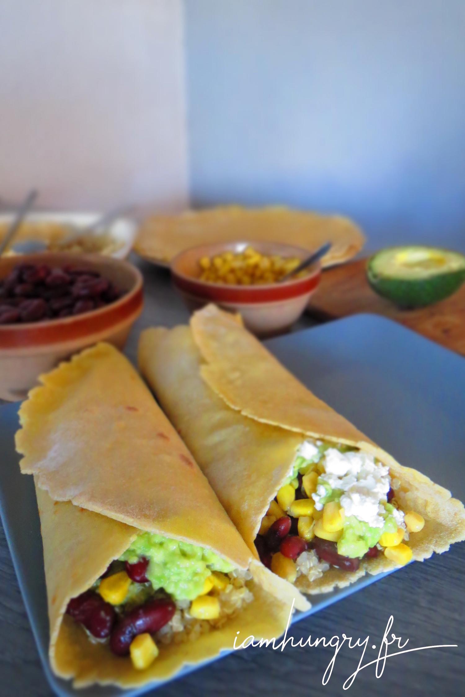 Tortillas au maïs quinoa avocat et haricots rouges