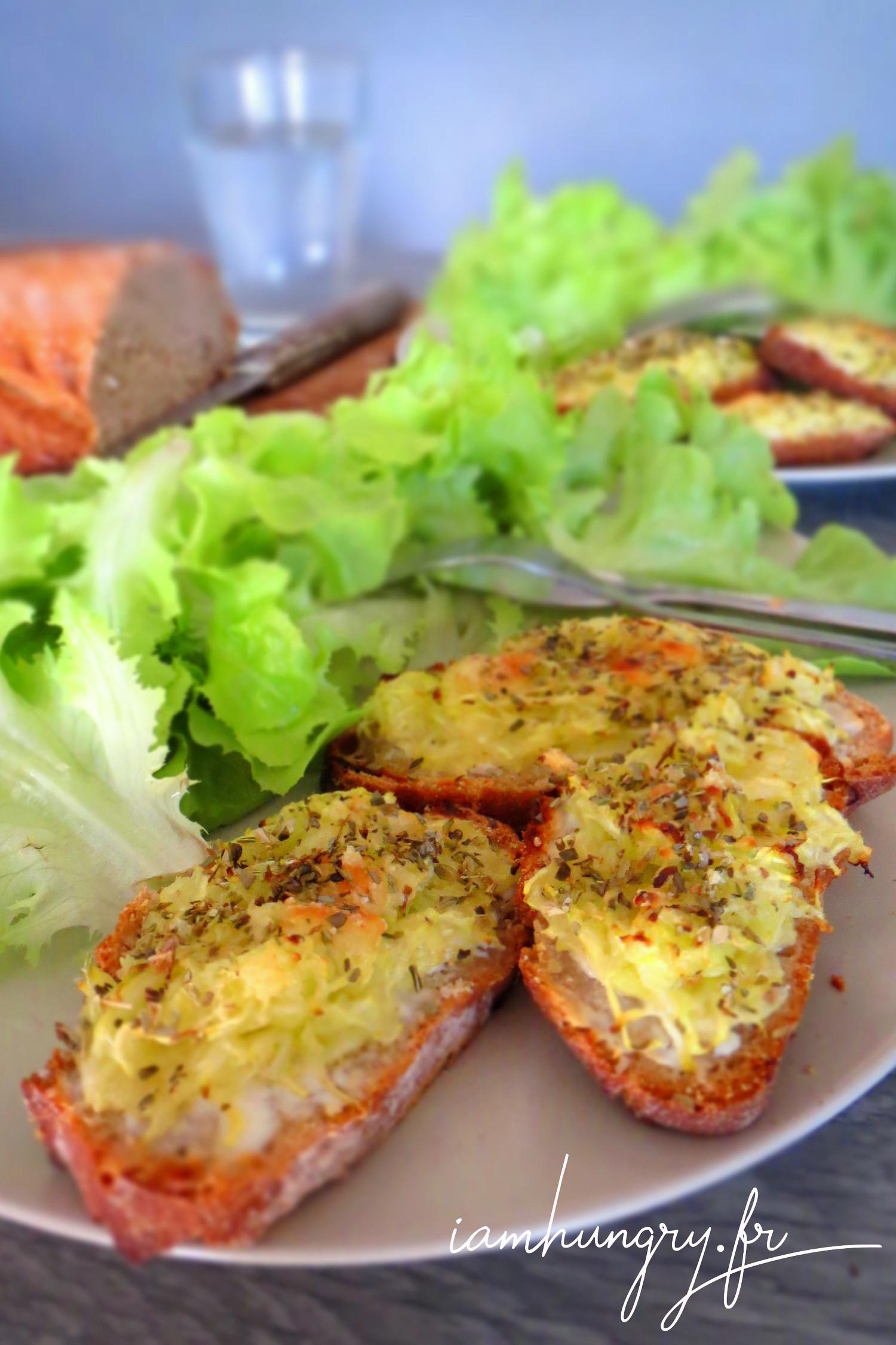 Tartines de courgettes grillées au four