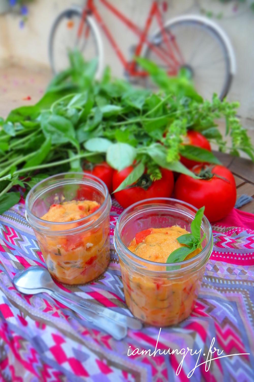 Mug cake tomate basilic