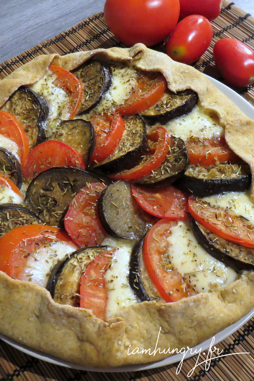 Tarte rustique aubergine tomate mozza