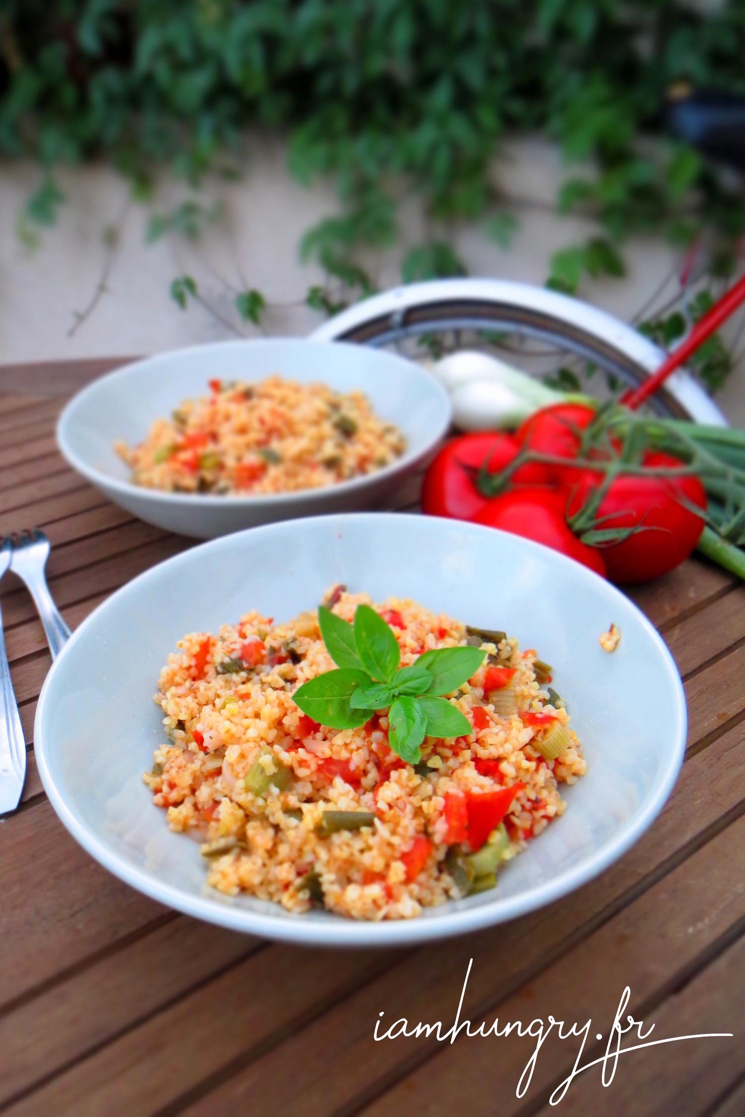Poêlée de boulgour aux tomates et oignons verts