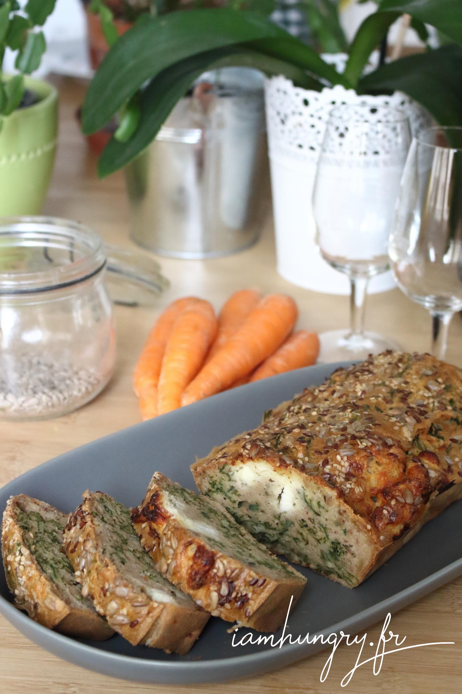 Cake au fanes de carottes et féta