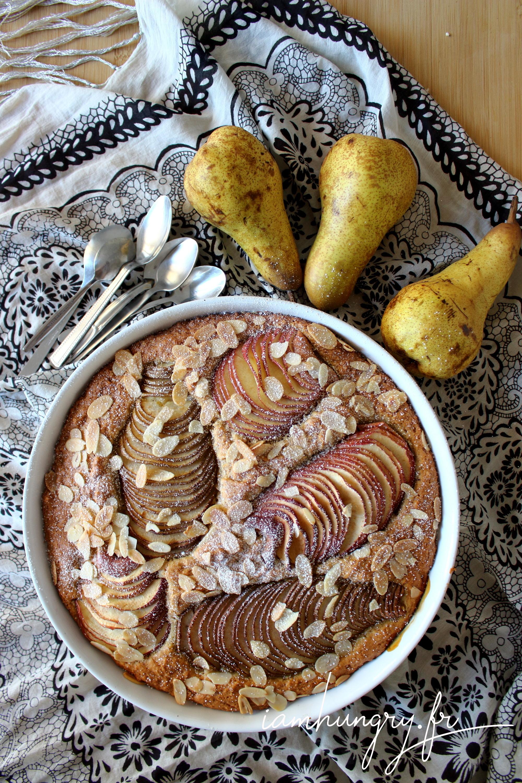 Gâteau moelleux aux amandes, pommes et poires