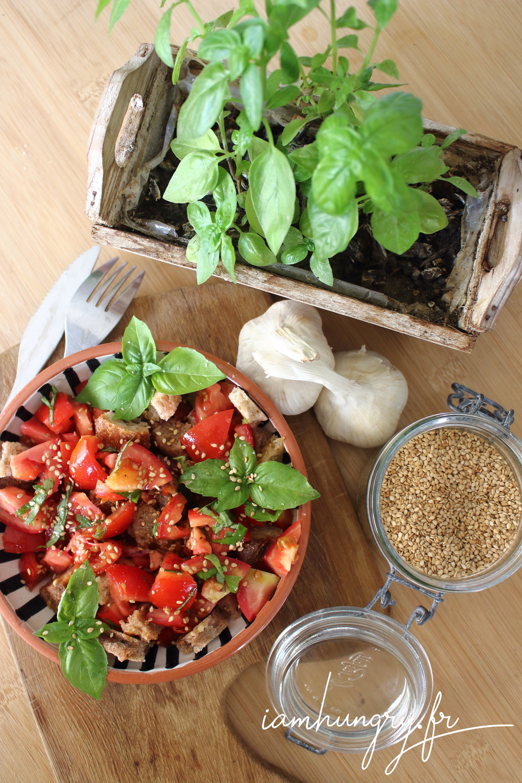 Salade tomates pain ail bruschetta 1c