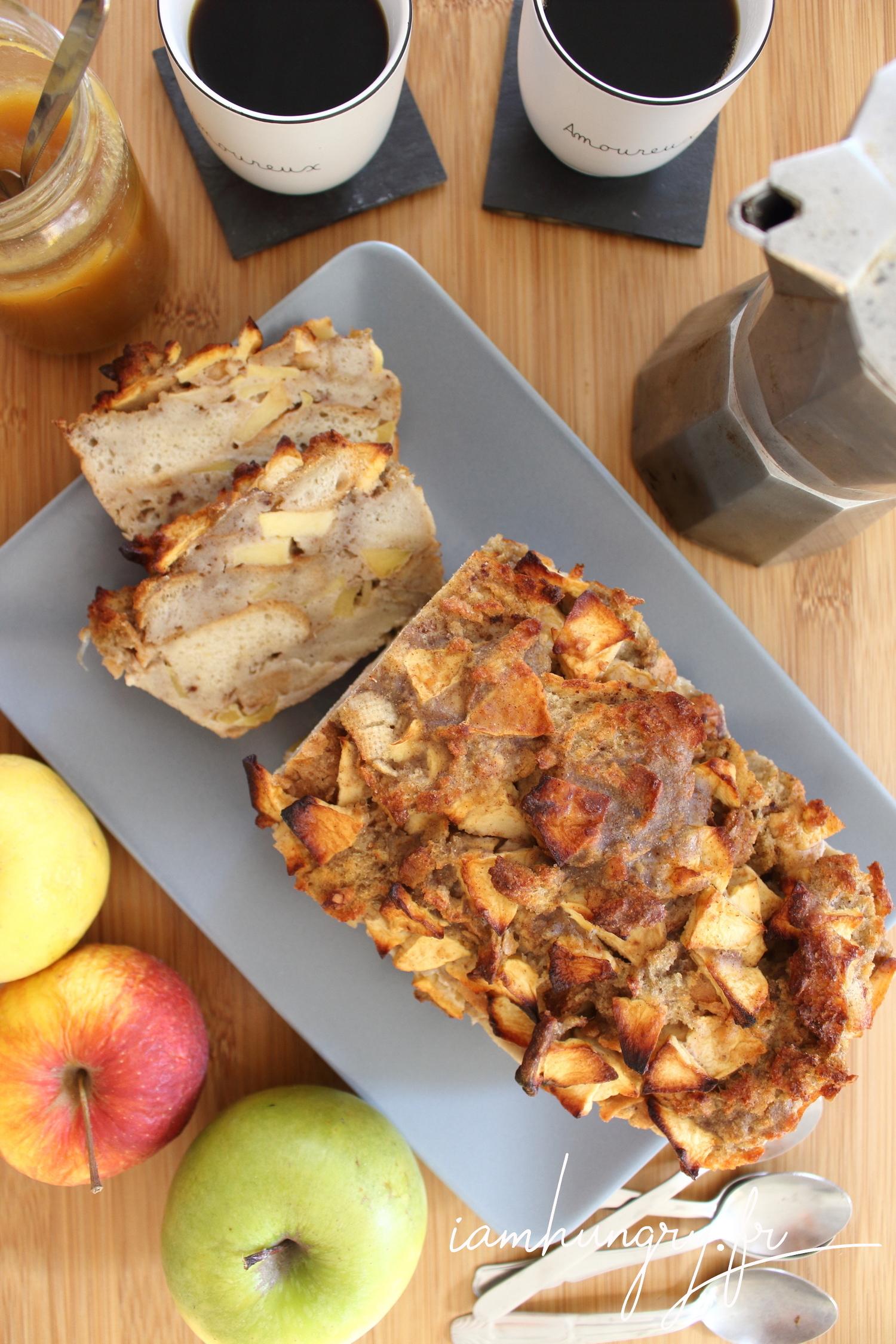 Gâteau de pain perdu pommes et cannelle