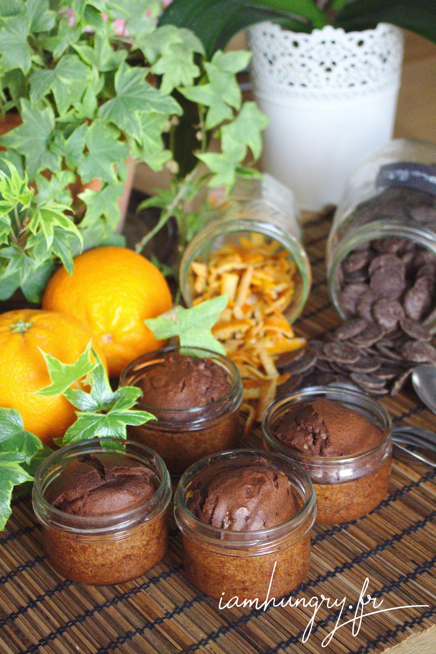 Petits moelleux au chocolat et écorces d'oranges