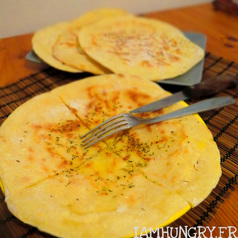 Cheese naan1