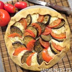 Tarte rustique tomate aubergine mozza 1
