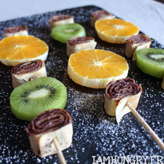 Brochettes crepes roule%cc%81es fruits 1e