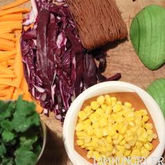 Rouleaux de printemps avocat choux mais rizrouge carotte menthe 3