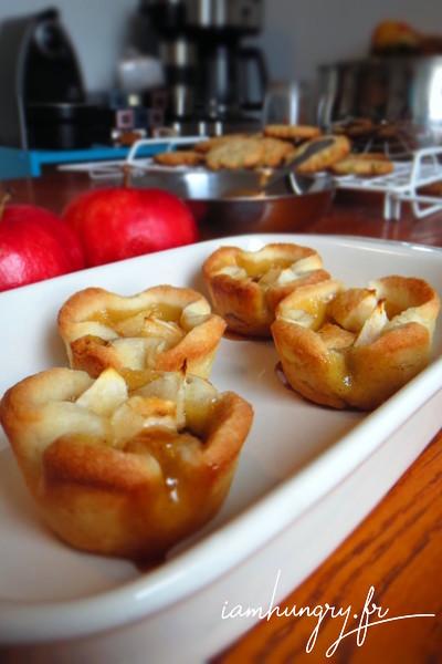 Petites fleurs de pommes au caramel de banane
