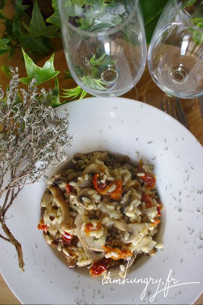 Riz pilaf aux champignons et tomates séchées