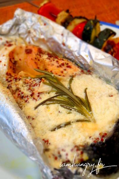 Pavé de saumon au chèvre moutarde et romarin au barbecue