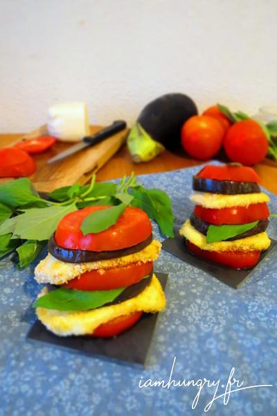 Mille-feuille d'aubergines tomates et mozzarella