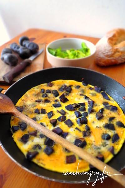Omelette de vitelottes au roquefort