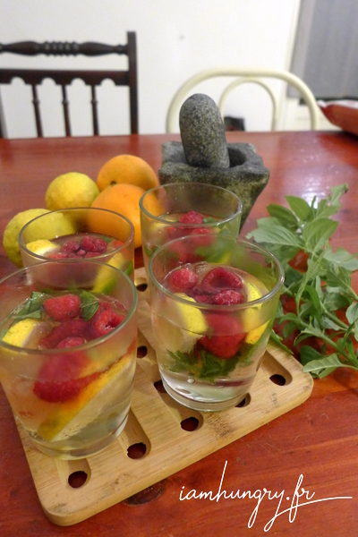 Mojito with raspberries