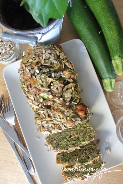Cake à l'okara courgettes et fanes de carottes