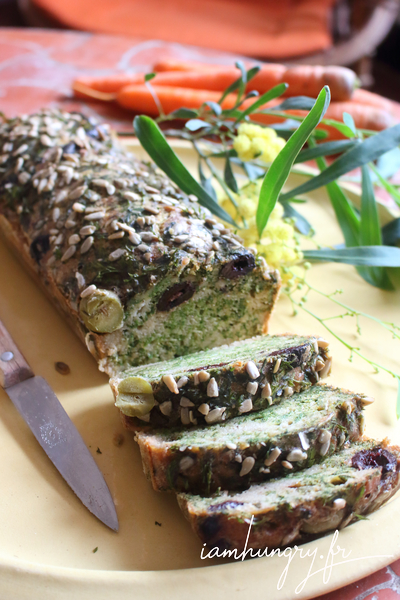 Cakes aux fanes de carottes et 2 olives