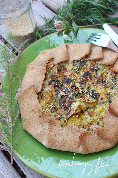 Tarte rustique aux poireaux et fanes de radis