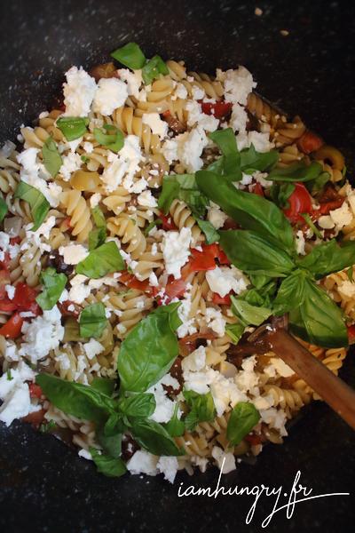 One pot pasta à la tomate féta et basilic